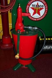 Gear oil lubester