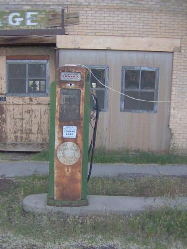 Vintage Gas Station Photo Album – Pictures from Primarily