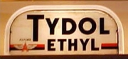 Tydol-Ethyl-red-and-black-1941-to-1942