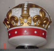 Red-and-gold-crown-1956-to-1962